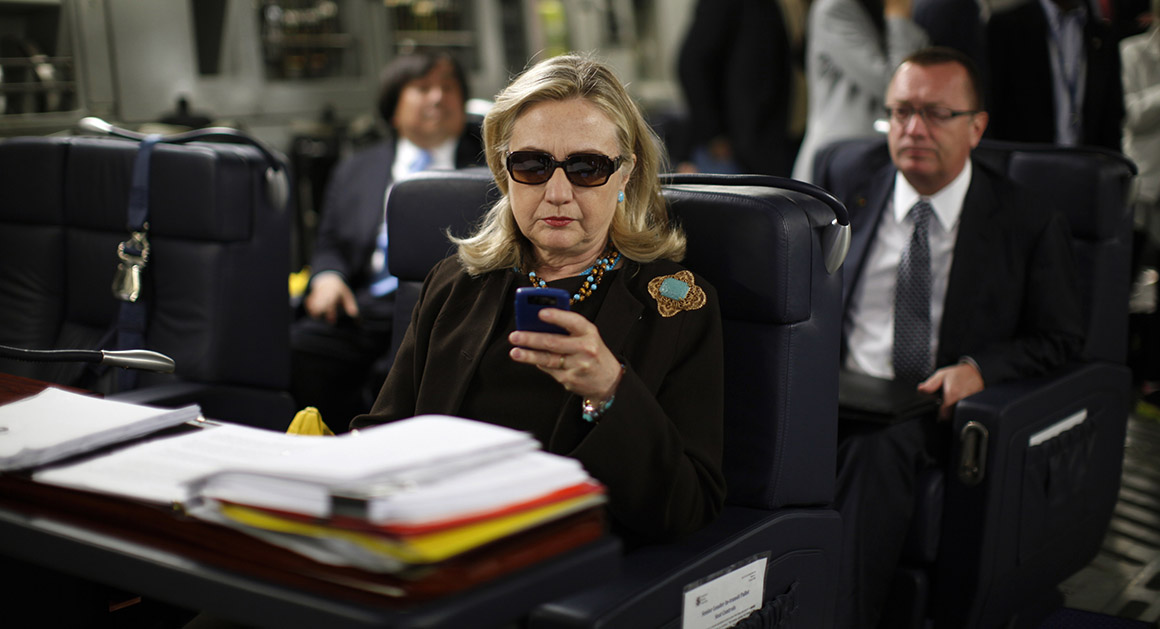 Hillary Clinton et son smarthphone